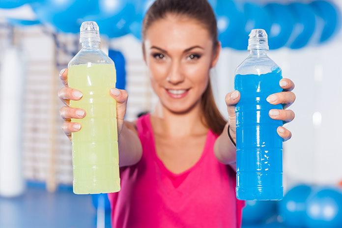 Czy warto sięgać po napoje izotoniczne?
