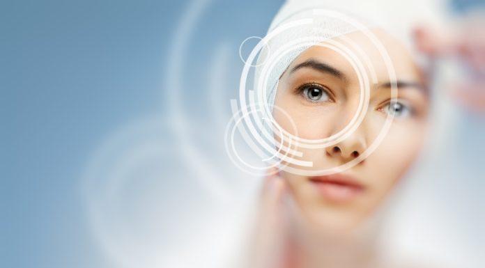 Jak pielęgnować skórę wokół oczu?