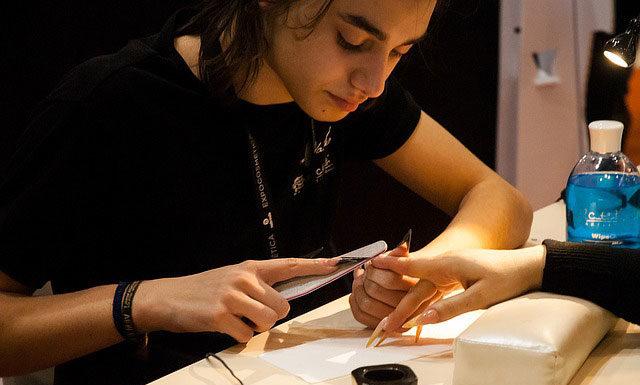 Co warto wiedzieć o paznokciach żelowych?