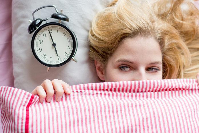 Jak skutecznie obudzić twarz rano