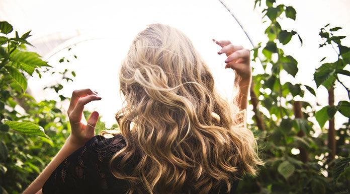 Sposób na odżywione włosy - naturalne kosmetyki!