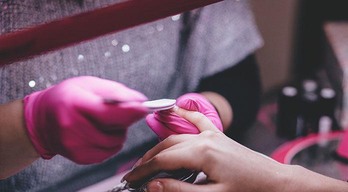Ciesz się pięknymi dłońmi na dłużej z 2b Beauty!