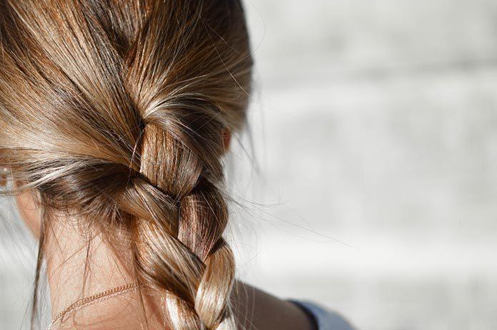 Idealne fryzury na zabawę karnawałową