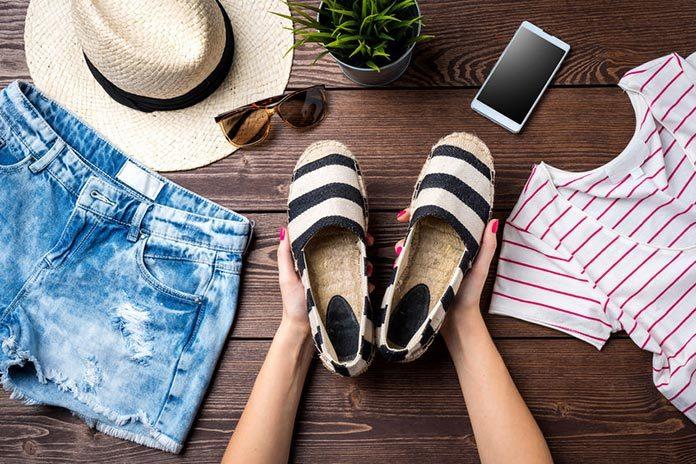 Espadryle na koturnie – 5 modnych stylizacji