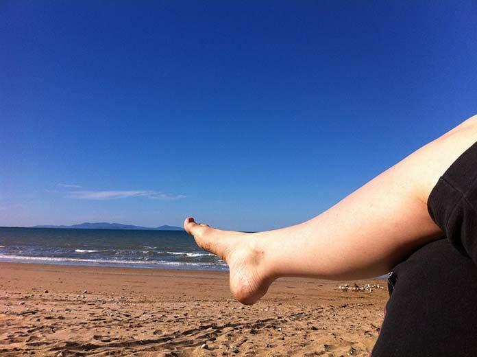 Kilka wskazówek, jak złagodzić uporczywy ból pięty