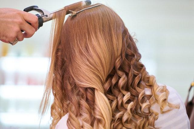 dobry fryzjer i kosmetyczka